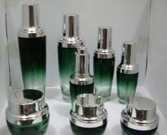 生产化妆品瓶子